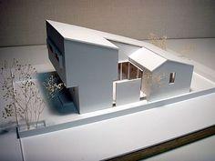 Arata Mochizuki D. Maquette Architecture, Architecture Model Making, Interior Architecture, Japan House Design, Home Building Design, Narrow House, D House, Dream House Exterior, Modern House Plans