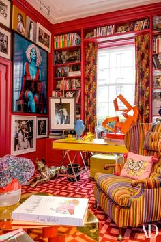 Architectural Digest A wingback chair by BDDW wears a Lelièvre for Scalamandré fabric; Nicki Minaj portrait by Steven Klein; Blue urn by Michael Eden. Estilo Kitsch, Maximalist Interior, New York Homes, Deco Boheme, Deco Originale, Decoration Inspiration, Retro Home Decor, 1970s Decor, Funky Decor