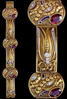 c.1930 // Art Deco gold, garnet, diamond and synthetic sapphire 'Dragonfly' bracelet, by Cozzolino, Uruguay, c.1930. Cozzolino worked in Naples, Italy and Montevideo, Uruguay.