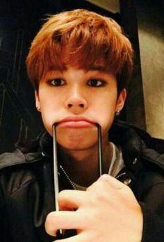 """#wattpad #fanfic Aonde Jimin é """"famosinho"""" no Instagram e Yoongi é apenas mais um de seus milhares de seguidores apaixonado pelo mesmo. By : @Sourissa °˖✧◝ 01.01.2017 ✧ #28 em fanfic ◜✧˖° °˖✧◝ 03.01.2017 ✧ #15 em fanfic ◜✧˖°"""
