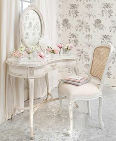 Schlafzimmer Einrichten Schöne Möbel Shabby Chic Stil Schreibtisch ... Schlafzimmer Shabby Chic