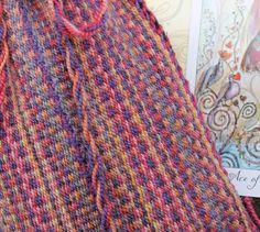 Etsy の Tarot Card Bag Handwoven Wool Pink Purple by inkleing