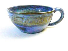 STONEWARE BATTER BOWL...46 ounce capacity..with by CleverClay