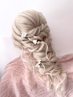 Blonde Bridal Hair, Pastel Wedding Theme, Luxury Hair, Wedding Hairstyles For Long Hair, Girls Life, Hair Accessories, Bohemian, Wedding Ideas, Long Hair Styles