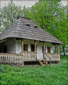 MUZEUL SATULUI BUCOVINEAN SUCEAVA | Trasee de calatorie si turism in Romania Passive House, Cottages, Building A House, Gazebo, Trips, Buildings, Outdoor Structures, Traditional, Retro