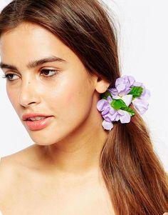 Haarknoten von Johnny Loves Rosie Stoffblumen Stretcheinsatz zum Anpassen der Größe Kontakt mit Flüssigkeiten vermeiden 90% Polyester, 10% Elastan