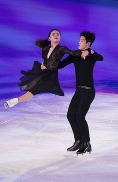 Maia Shibutani and Alex Shibutani of the U.S. perform at the Smucker's Skating Spectacular at 2016 Progressive Skate America at Sears Centre Arena on October 23, 2016 in Chicago, Illinois.