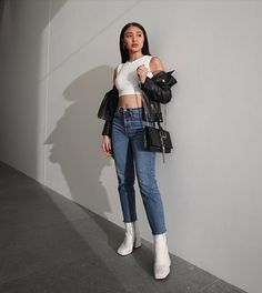 Miguel Laureta's IG update Nadine Lustre Ootd, Nadine Lustre Fashion, Nadine Lustre Outfits, Cute Preppy Outfits, Simple Outfits, Summer Outfits, Filipina Actress, Filipina Girls, Lady Luster