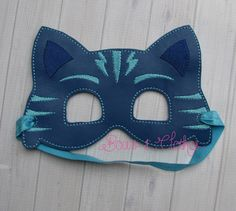 Blue Mask – Bows and Clothes