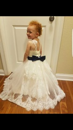 I found some amazing stuff, open it to learn more! Don't wait:https://m.dhgate.com/product/2015-spring-flower-girl-dresses-vintage-jewel/232560510.html