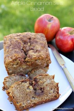 Apple Cinnamon Swirl Bread - Chunks of apple and swirls of cinnamon in this quick bread that doesn't even need a mixer! APPLE CINNAMON SWIRL BREAD I'm excited about this bread for a few reasons. Best Apple Desserts, Apple Recipes, Fall Recipes, Sweet Recipes, Delicious Desserts, Dessert Recipes, Yummy Food, Bread Recipes, Healthy Recipes