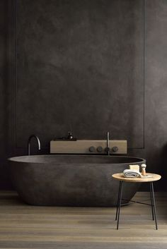 If you have a small bathroom in your home, don't be confuse to change to make it look larger. Not only small bathroom, but also the largest bathrooms have their problems and design flaws. Villa Design, House Design, Ideas Baños, Decor Ideas, Dark Bathrooms, Luxury Bathrooms, Dream Bathrooms, Modern Bathrooms, Beautiful Bathrooms