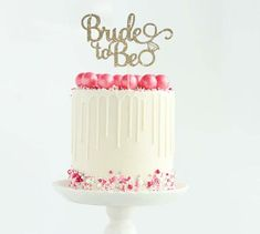 Bride to Be Cake Topper for Engagement Shower, Bridal party, Bachelorette Party, Wedding - Gold Glit Beautiful Wedding Cakes, Gorgeous Cakes, Wedding Cake Designs, Wedding Cake Toppers, Oh Baby Cake Topper, Wedding Shower Cakes, Bride Shower, Baby Shower, Glitter Cupcakes