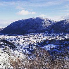 Discover the beauty of Brasov in Transylvania, Romania  http://townske.com/guide/12574/brasov-romanias-most-beautiful-city-