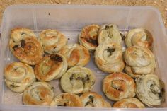 Anastasia's Spiral Pita Ingredients: 3 tablespoons olive oil 1 ½ tablespoons of medium or short grain rice 1 onion, finely diced 6-8 spring onions chopped 400g spinach, chopped OR400g of wild gre…