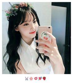 nayeons so pretty i ♡ cr. to owner