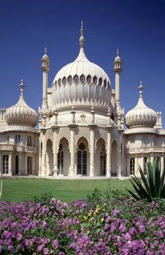 The Royal Pavillion, Brighton, England.... was very interesting inside...