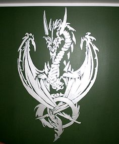 Silver dragon on dark green wall. Shines in the dark and tell there's a cool person living in this room 👍 Dark Green Walls, Silver Dragon, The Darkest, Rooster, Moose Art, Wall Paintings, Cool Stuff, Wallpaper, Handmade