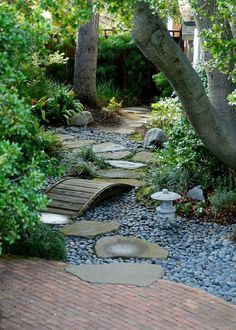 Japanese garden design and ideas. Natural Landscaping, Gardening, and Landscape Design for backyard and front yard. Diy Garden, Wooden Garden, Dream Garden, Garden Paths, Shade Garden, Gravel Garden, Garden Stream, Garden Villa, Pea Gravel