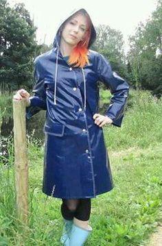 Raincoats For Women WomenS Jackets Raincoat Outfit, Green Raincoat, Pvc Raincoat, Raincoat Jacket, Hooded Raincoat, Vinyl Raincoat, Imper Pvc, Rainy Day Fashion, Vintage Underwear