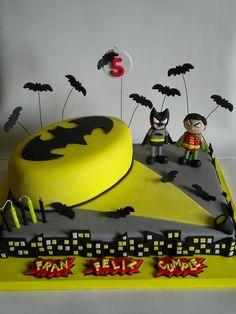 Torta Batman y Robin by Pastelera Bakery Shop, via Flickr