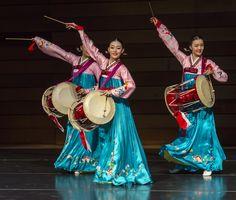 More photos from DKU's Traditional Korean Dance Performance at SOU « Ashland Daily Photo Folk Dance, Dance Art, Korean Traditional Dress, Traditional Outfits, Korean Art, Korean Music, Dance Dreams, Korean Hanbok, Shall We Dance