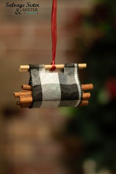 Buffalo Check Log Carrier Ornament - Salvage Sister and Mister This buffalo plaid log carrier ornament is great for rustic, farmhouse, or a cozy Christmas style. Christmas Style, Cabin Christmas, Woodland Christmas, Christmas Fashion, Plaid Christmas, Diy Christmas Ornaments, Xmas Crafts, Christmas Projects, Beautiful Christmas