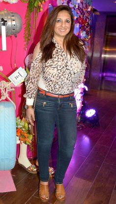 Munisha Khatwani at Maheka Mirpuri's collection preview. #Page3 #Fashion #Style #Beauty #Hot Sana Khan, Indian Star, Celebs, Celebrities, Summer Collection, Bollywood, Capri Pants, Popular, Beauty