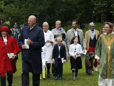 MYROYALS  FASHİON: Norwegian Royal Family Celebrates Crown Princess Mette Marit's 40th Birthday at an outdoor church service in the Queen's Park, Norway-Queen Sonja, King Harald, Crown Princess Mette-Marit, Prince Sverre Magnus, Maud Behn (Princess Märtha Louise's eldest daughter), Marius Høiby (Crown Princess Mette-Marit's son), Crown Prince Haakon, Ari Behn (Princess Märtha Louise's husband), and a quick glimpse of Princess Märtha Louise at the far right