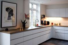 Home Kitchens, Home Room Design, Kitchen Decor, Kitchen Island Table, Kitchen Interior, Interior Design Kitchen, Kitchen Finishes, Home Decor, Kitchen Cabinets