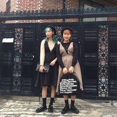 쥬피치(kjiwoo10)'s style | 165와 157의 가을 트윈룩 🍂 instagram:zoopeach #데일리룩 #dailylook #가을코