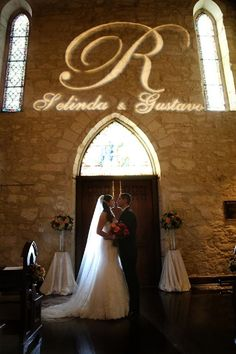 Haute Weddings Blog Featured Vendor Illuminating Celebrations San Antonio Events Event Lighting Weddings Photo Credit: Dos Kiwis