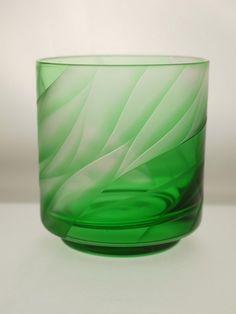 糸底オールド 風彫り「緑」|皿・お椀・ボウル|ハンドメイド・手仕事品の販売・購入 Creema(クリーマ)