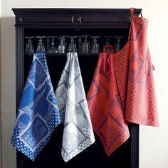 Tea Towels  ~ Torchon collection automne hiver 2015 par Garnier-Thiebaut - Modèle : Paris Monuments - Torchon en coton - Coloris : rouge