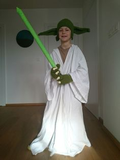 The geek in me has to dress my kid up like this yoda never looked yoda costume solutioingenieria Gallery
