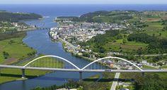 Viaduto sobre o rio Navia, nas Astúrias, Espanha.