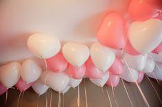 Globos en forma de corazon para una boda. Decora tu boda con estos globos y unas cintas en tonos pastel que cuelguen de ellos   A Prince Edward Island Rustic Pink and White Wedding
