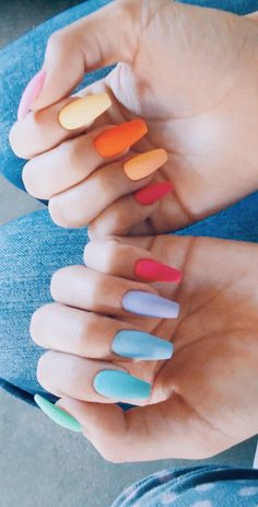 The Most and Glamorous Nail Art Designs For Girls Round nails art is so nice! That's why we found the best nails to motivate you and take you to the local nail salon as… Summer Acrylic Nails, Best Acrylic Nails, Pastel Nails, Nails Summer Colors, Summer Holiday Nails, Summer Gel Nails, Colorful Nails, White Nail Designs, Acrylic Nail Designs