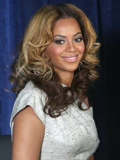 Beyonce's two toned hair is gorgeous!