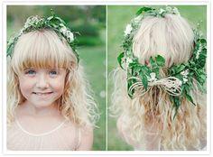Photography: The Nichols / Floral design: Bouquets of Austin via 100layercake.com