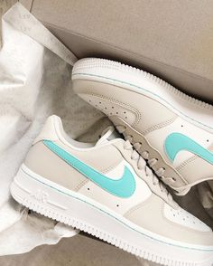 Nike delivers innovative products, experiences and services to inspire athletes. Basket Style, Nike Shoes Air Force, Aesthetic Shoes, Fresh Shoes, Hype Shoes, Pretty Shoes, Mode Outfits, Fashion Outfits, Custom Shoes