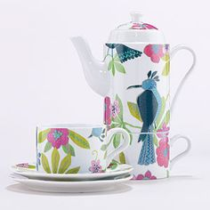 Just bought this Rio Birds Tea for Two Set yesterday at World Market -- couldn't resist drinking my pear tea in style!