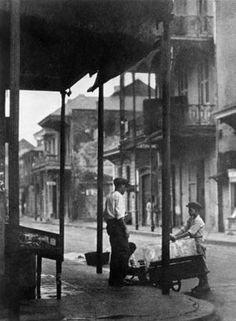 vintage NOLA history - New Orleans 1920 Louisiana New Orleans Homes, New Orleans Louisiana, Vintage Photographs, Vintage Photos, New Orleans History, Louisiana History, New Orleans French Quarter, Crescent City, Old Photos