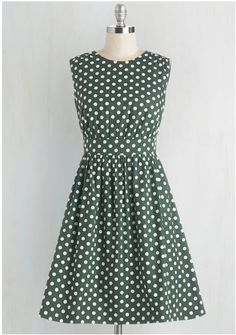 NWOT (did not come with tags that I can remember?) Size 1XL Emily & FIn Dress from mod-cloth fits upto bust 46, waist 38 $75 shipped in the USA/Canada
