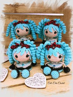 Mini poupée Hatsune Miku Crochet Doll Pattern, Crochet Dolls, Crochet Hats, Crochet Diy, Amigurumi Doll, Crochet Animals, Hatsune Miku, Free Pattern, Projects To Try