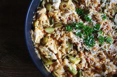 Onepan orzo dish loaded with vegetables and parmesan. Recipe on  Mein Blog: Alles rund um die Themen Genuss & Geschmack  Kochen Backen Braten Vorspeisen Hauptgerichte und Desserts # Hashtag