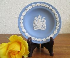 figure as centre design Wedgewood jasperware pin dish blue  jasperware acorns and oak leaf  around the edge  vintage wedgewood