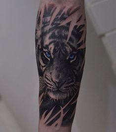 Tiger Tattoo auf Unterarm New School von Mihail Kogut – Neuta Tattoo Modelle Tiger Forearm Tattoo, Mens Tiger Tattoo, Tiger Face Tattoo, Animal Sleeve Tattoo, Lion Tattoo Sleeves, Lion Head Tattoos, Tiger Tattoo Design, Forearm Sleeve Tattoos, Animal Tattoos