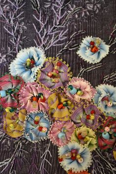 Wonderful Ribbon Embroidery Flowers by Hand Ideas. Enchanting Ribbon Embroidery Flowers by Hand Ideas. Silk Ribbon Embroidery, Beaded Embroidery, Embroidery Stitches, Hand Embroidery, Embroidery Patterns, Bijoux Wire Wrap, Crazy Quilt Stitches, Crazy Quilting, Crazy Patchwork
