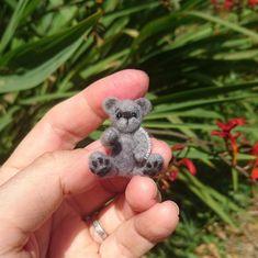 Miniature needle felted teddy bear Needle Felted Animals, Felt Animals, Wet Felting, Needle Felting, Animal Sculptures, Sculpture Art, Miniture Things, Felt Art, Felt Crafts